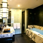 2.-DELUXE-SUITE---BATHROOM