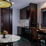 Kitchenette | Deluxe Pool View Suite